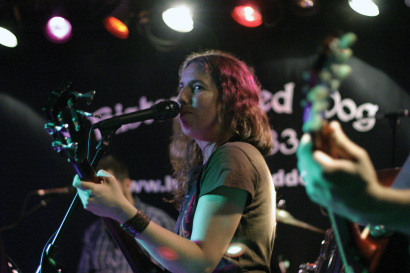 Kirsten-Addis-bass-and-vocals